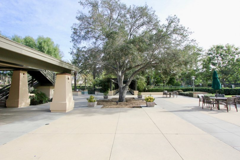 A courtyard view of the Trails area of Ladera Ranch, Ca. on a clear day.