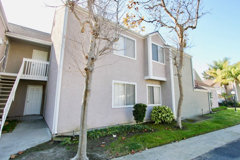 A beutiful duplex apartment with side opening in the beacon hill terrace city of lLaguna Niguel, CA