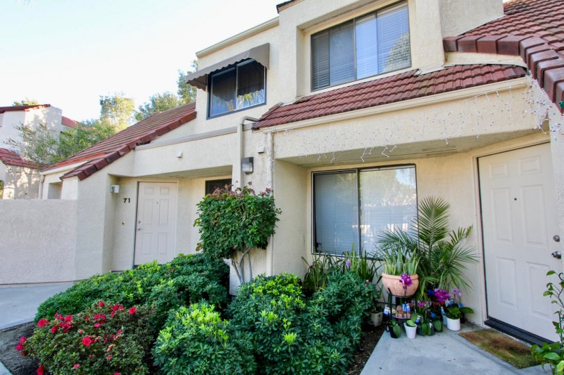 Crystal Cay condos are located in the coastal community of Laguna Niguel. The complex features one and three bedroom condos that were built in 1984 and range in size from 712 to 1, 204 square feet of living space. Units in Crystal Cay can offer private pa