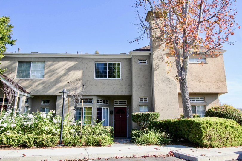 Hampton Village homes are located in the coastal community of Laguna Niguel. Hampton Village Is a nice condo community that features two to three bedroom condos that range in size from 1, 026 to 1, 308 square feet of living space. The condos were built in