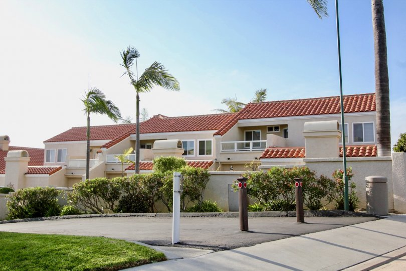 Spanish styled condos and palm trees in the Laguna Sur neighborhood in Laguna Niguel.