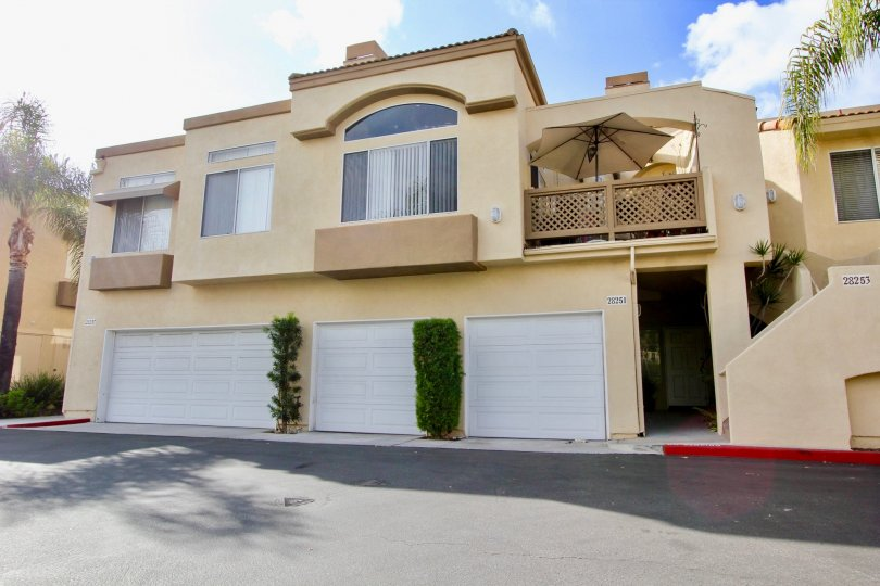 Nice villa with umbrella in balcony with spacious parking in Mirador of Laguna Niguel