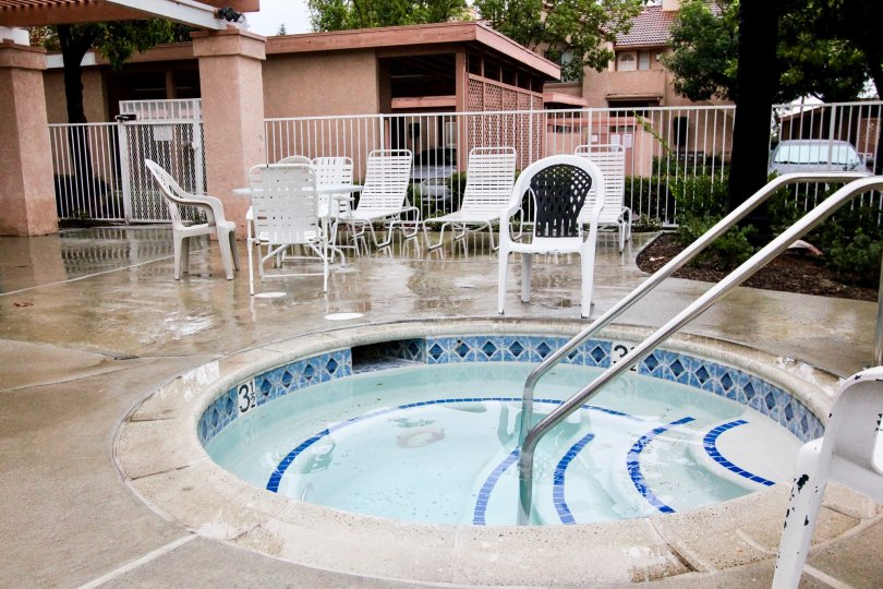 Beautiful sitting place and small swimming pool in Serrano Sandcastle of Lake Forest