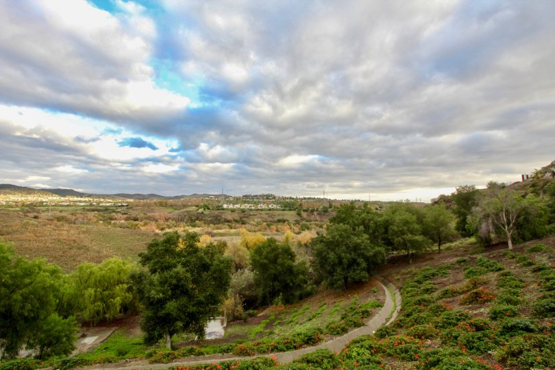 the emerald pointe II is a hills side roadway of the mission viejo city in california