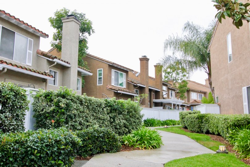 There are currently 3 homes for sale in Emerald Point at a median listing price of $499, 900. Emerald Point is a not walkable neighborhood in Mission Viejo with a Walk Score of 22. Emerald Point is home to approximately 543 people and 7 jobs. Search for L