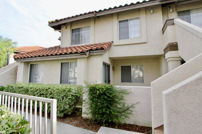 Attractive Las Palmas communty homes on a sunny Mission Viejo day in California