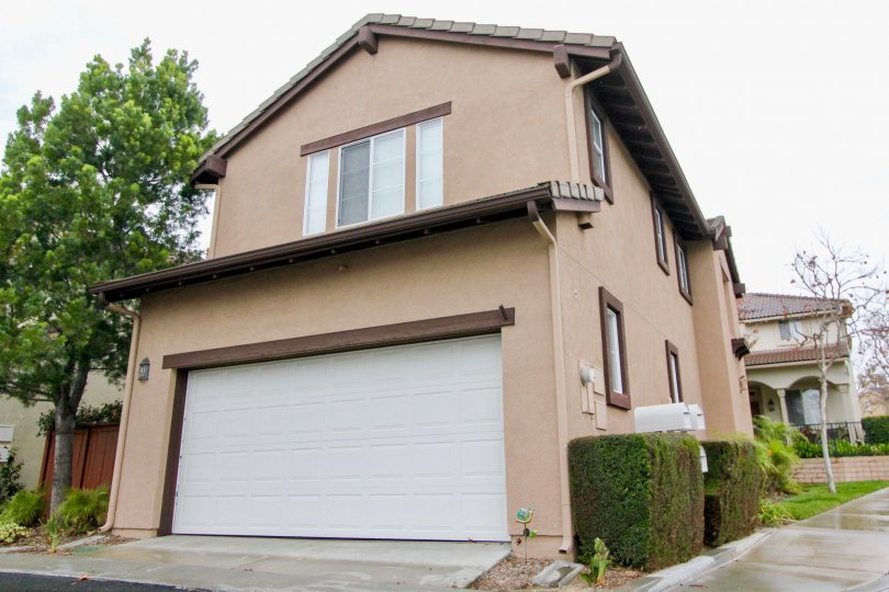 the magdalena is a tallest house of the mission viejo city in california