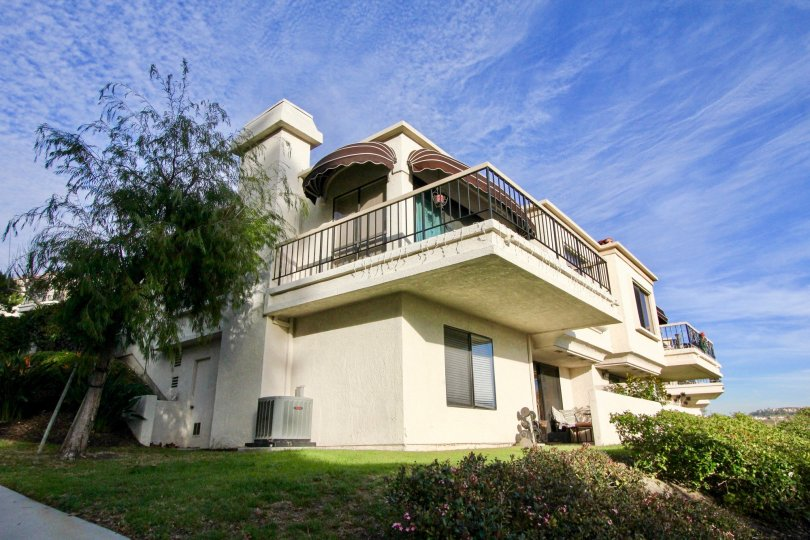 The Mallorca Condos subdivision is located in the city of Mission Viejo in the Mission Viejo North area. The Mallorca Condos tract consists of 163 Condos that were built by Mission Viejo Co and includes a gated entrance, swimming pool, heated spa. This su