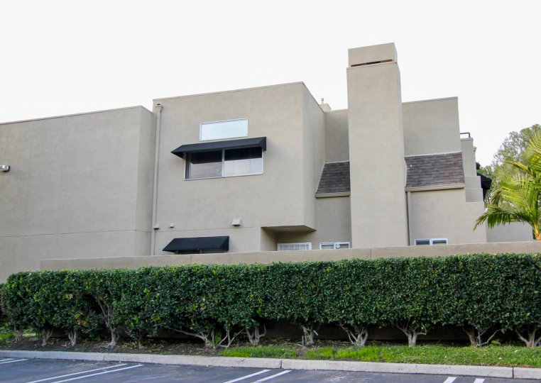 the rainbow ridge is a company house of the mission viejo city in california