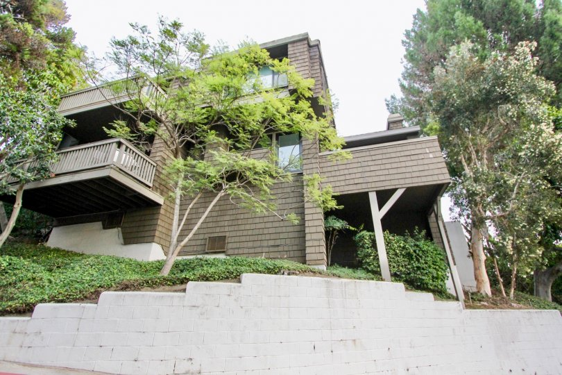 the Big Canyon McLain is a hills house of the newport beach city in CA