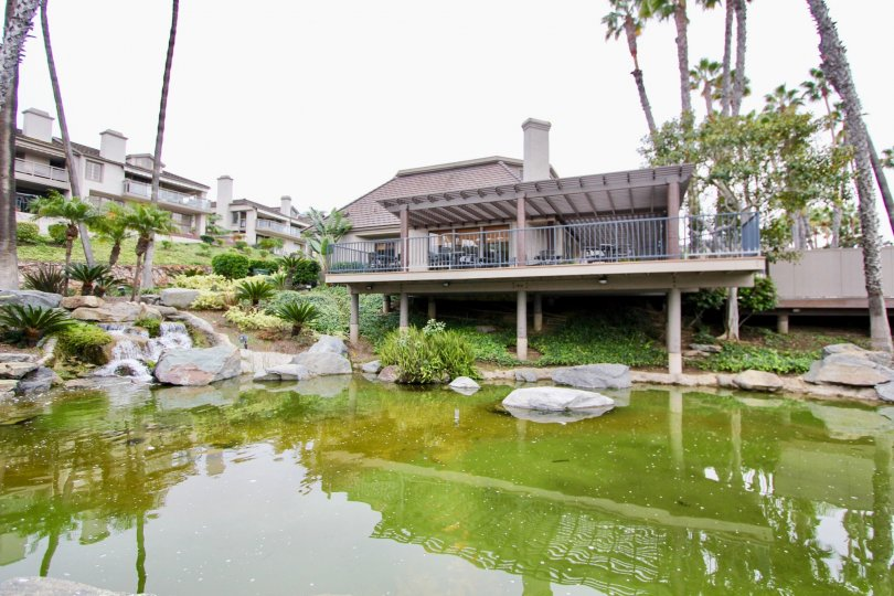 the island lusk is a lake house of the newport beach city in ca