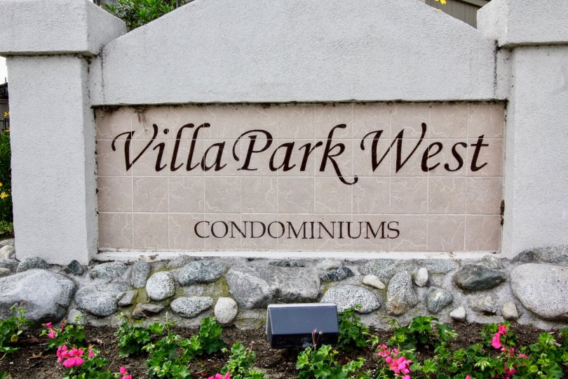The sign indicating the entrance of the Villa Park West in Orange, California