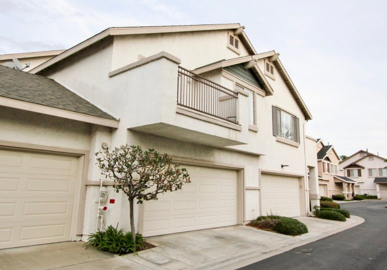 A large bunglow with two wide garages and a large balcony in the Westbury community in orange city