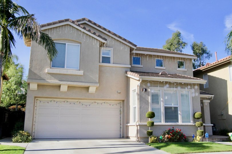 A home in the neighborhood of Ballantree is ready to celebrate all the festivities of Rancho Santa Margarita, CA