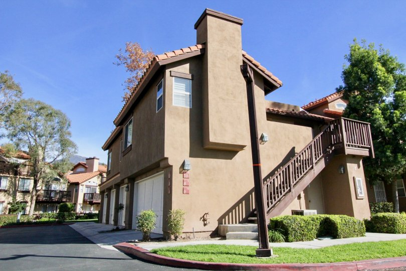A brown house in Brisa del Lago II in Rancho Santa Margarita, CA
