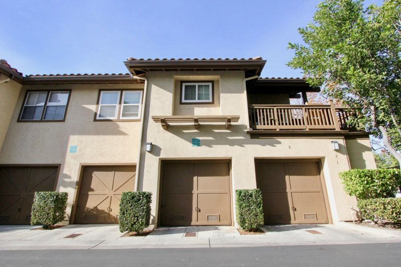 townhouse with garage in the los portillos community in rancho santa margarita california