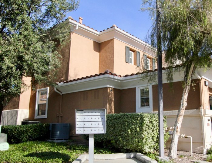 Beautiful villa wtih trees and signboards in Terracina of Rancho Santa Margarita