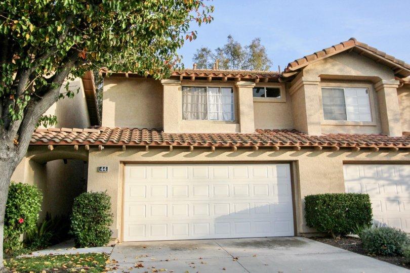 A white garage in Tierra Linda in Rancho Santa Margarita, CA
