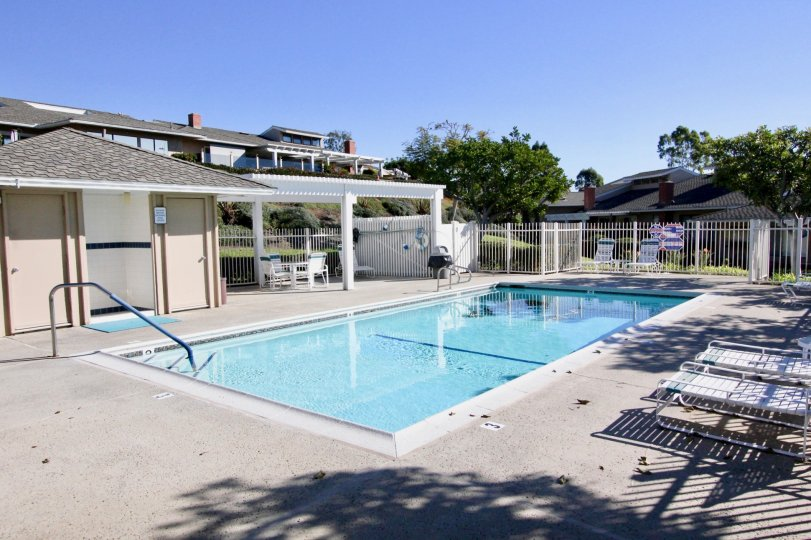 Apartment Homes invites you to enjoy the serenity of 23 acres of lush landscaping in the charming seaside community of Carlsbad, secluded yet also wonderfully close to the I-5 Freeway. Less than one mile to gorgeous, soul-stirring beaches, take in a day a