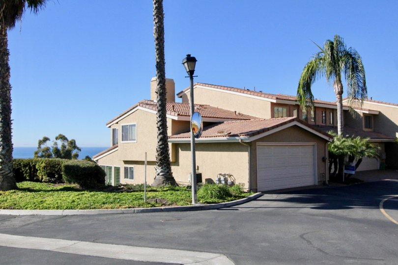 This 3 bedroom home for sale in Seaview Townhomes (st), located in San Clemente, CA wont last long and in today's volatile real estate market. Finding the perfect 3 bedroom home to fit all your needs is just a phone call away.