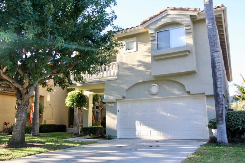 Villamar is located in the Forster Ranch area of San Clemente, California. Below are the current homes for sale in Villamar. Villamar homes are large two story homes lined up on one side of the street with backyards backing up to the private greenbelt in