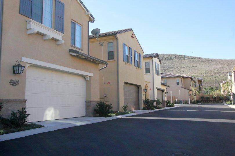 Road and homes in Campanilla in San Juan Capistrano, CA