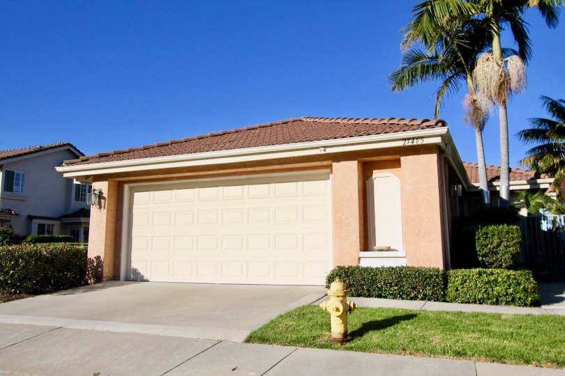 Single family home in Mesa Vista South on a sunny day
