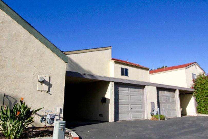 A bright blue sky in Sun Hollow in San Juan Capistrano, CA