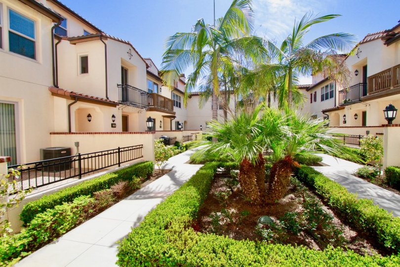 Avenue E House Building with Beautiful Green Park at Santa Ana city in Califorina