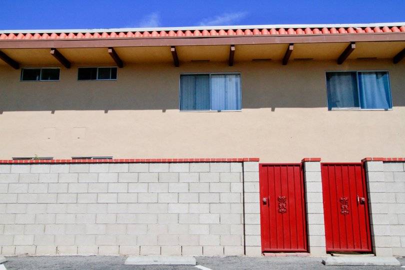 Bristol Place Building House with Attractive Side View Location at Santa Ana city in Califorina