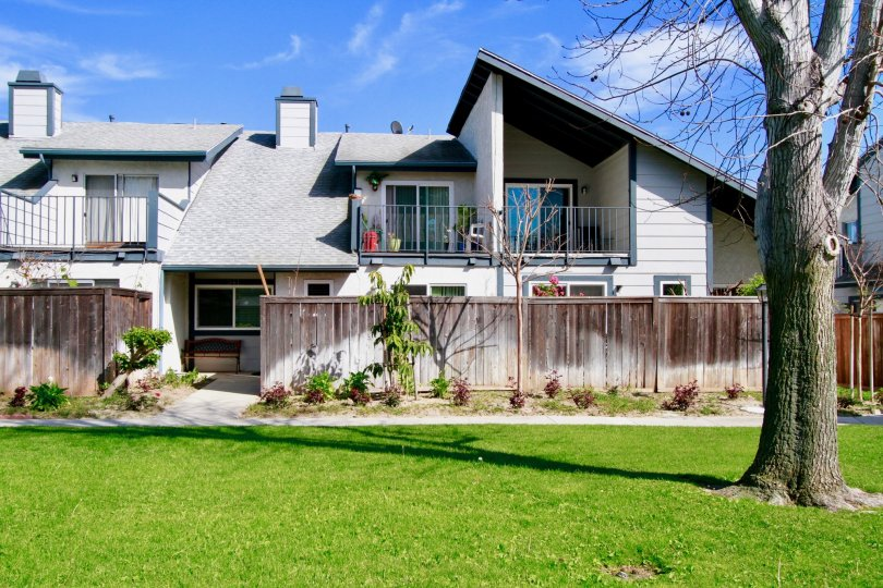 Mountain View House Building with Beautiful Front View at Santa Ana city in Califorina