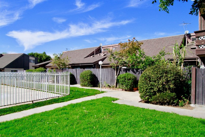 Newhope Garden Building House have Beautiful Green Park at Santa Ana city in Califorina