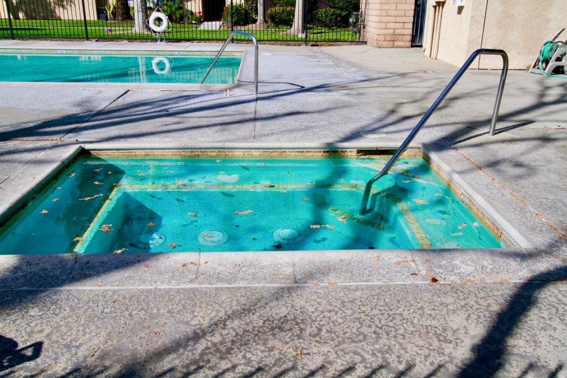 Park Glen House have Beauty Pool at Santa Ana city in Califorina