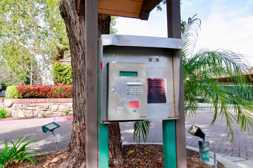 St Albans have calling box with Beautiful Location at Santa Ana city in Califorina