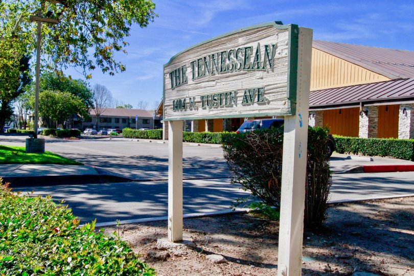 A street sign denoting the Tennessean community in Santa Ana, CA
