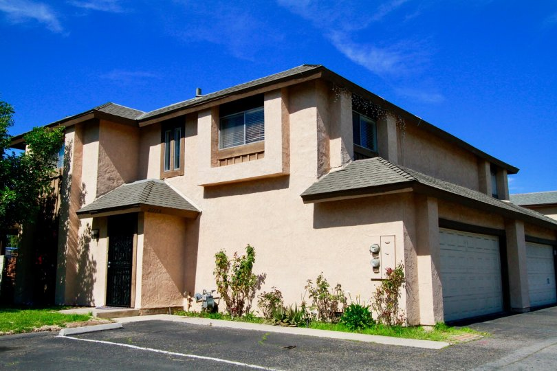 Westvale Townhomes Building House have Beautiful Attractive Location at Santa Ana city in Califorina