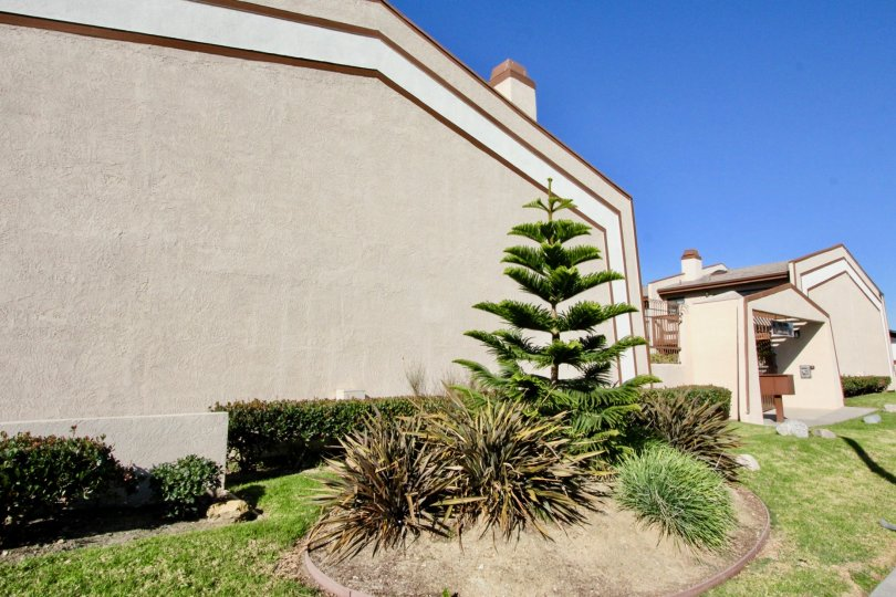 This is a Condo located at 10647 Bell Street #9, Stanton, CA. 10647 Bell St #9 has 2 beds, 2 ½ baths, and approximately 1, 518 square feet. The property was built in 1982. The average list price for similar homes for sale is $373, 569. 10647 Bell St #9 is
