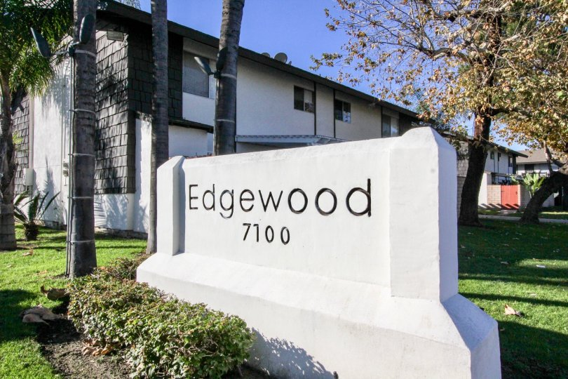 Tasteful decor provides the Edgewood Park community with quality appearance