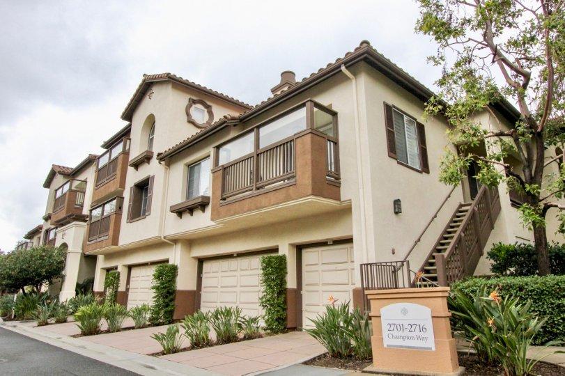 2 story home, enclosed balcony, 2 car garage house, great neighborhood