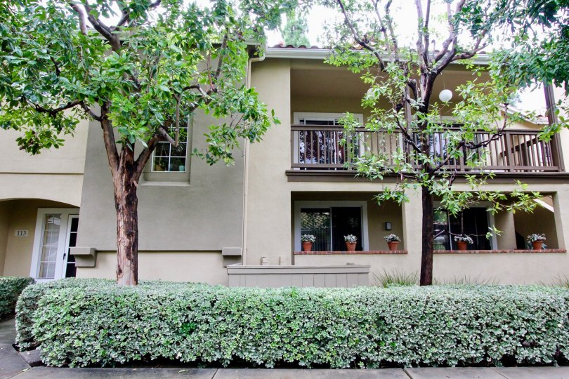 Beautiful villa with green trees and balcony in Shadow Canyon of Tustin