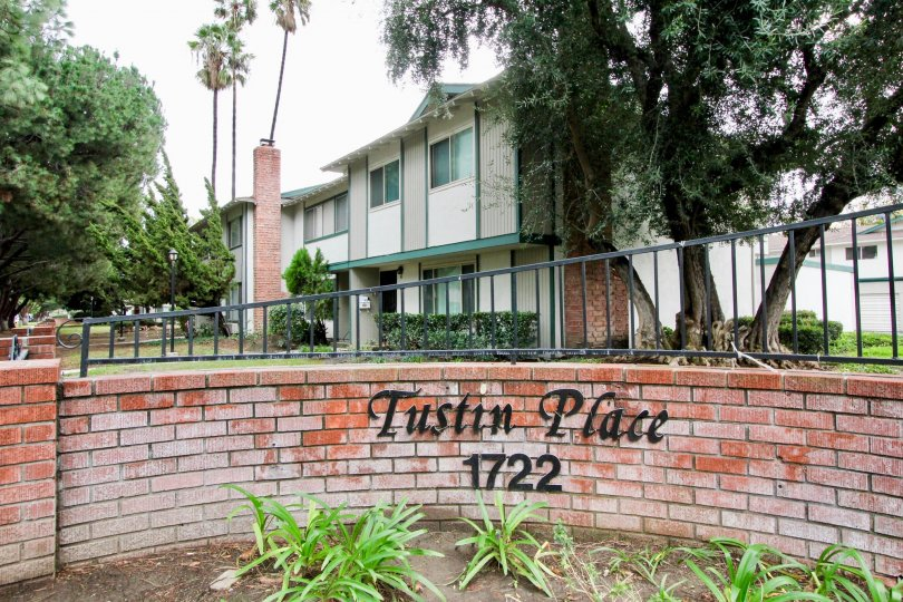 the tustin place is a gardening part of the tustin city in california