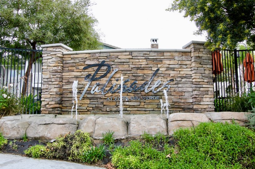 Palisades at Vista Del Verde Yorba Linda California resembles a resort like view with brick wall