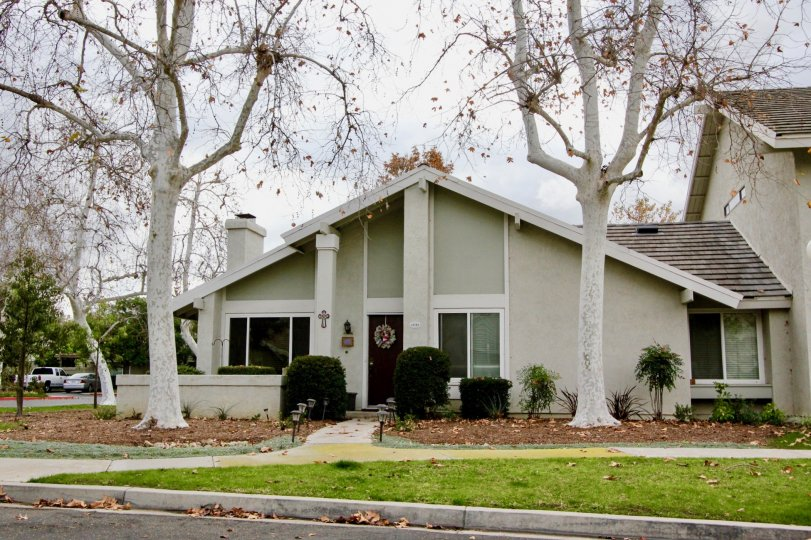 Small fancy white home, Rancho Dominguez Townhomes in Yorba Linda California