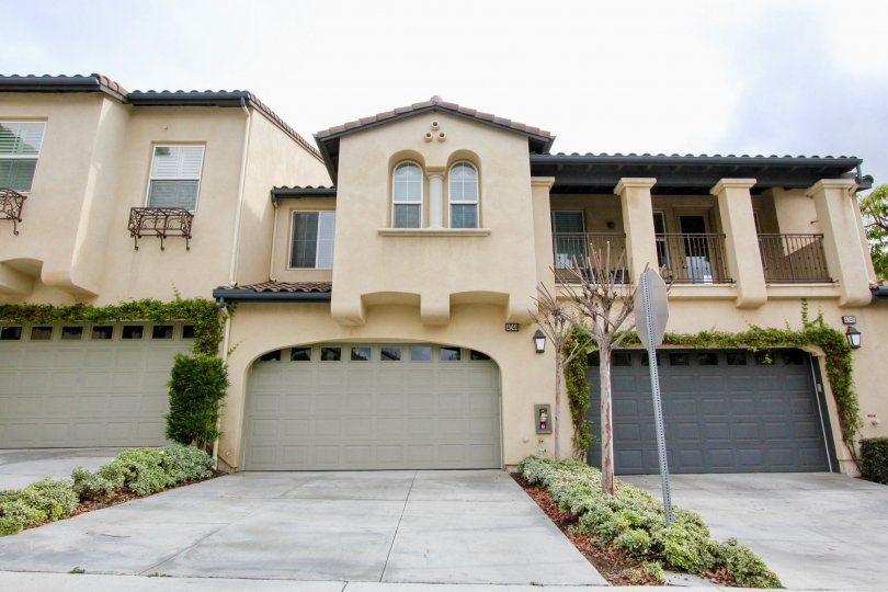 Multiple home fronts in San Lorenzo Community showing three attached garages in Yorba Linda, California