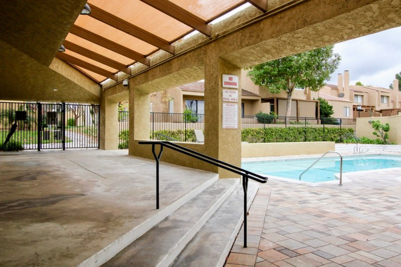 Yorba Linda Knolls California with spacious lobby and luxury roofing at a pool side