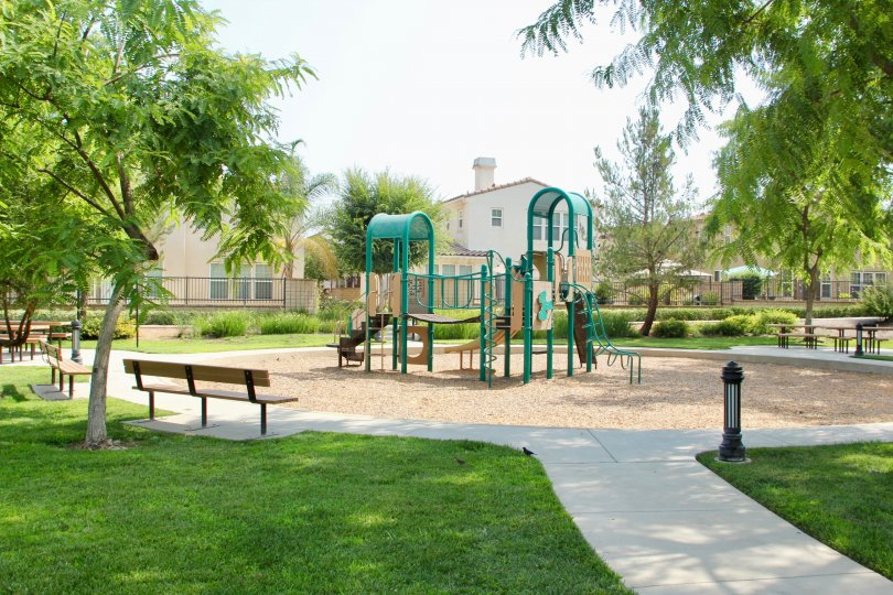 the citrus springs park contains the playsliding and chairs