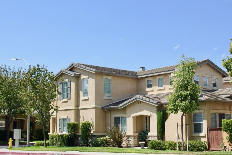 Exterior if large single family home in the Villas at Old School House community in Murrieta, California.