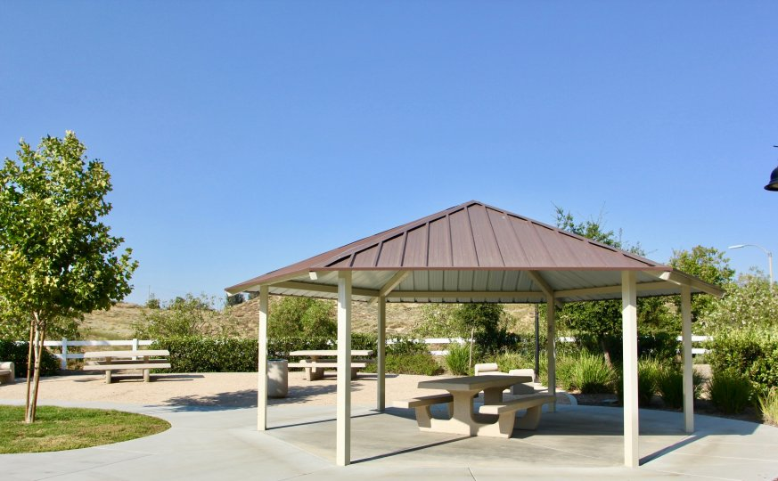 A gazebo with picnic table in Bel Vista community in temecula, CA