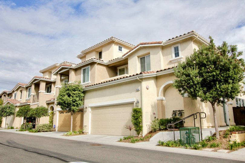 Beautiful tan californian townhomes at Avellino in Carlsbad