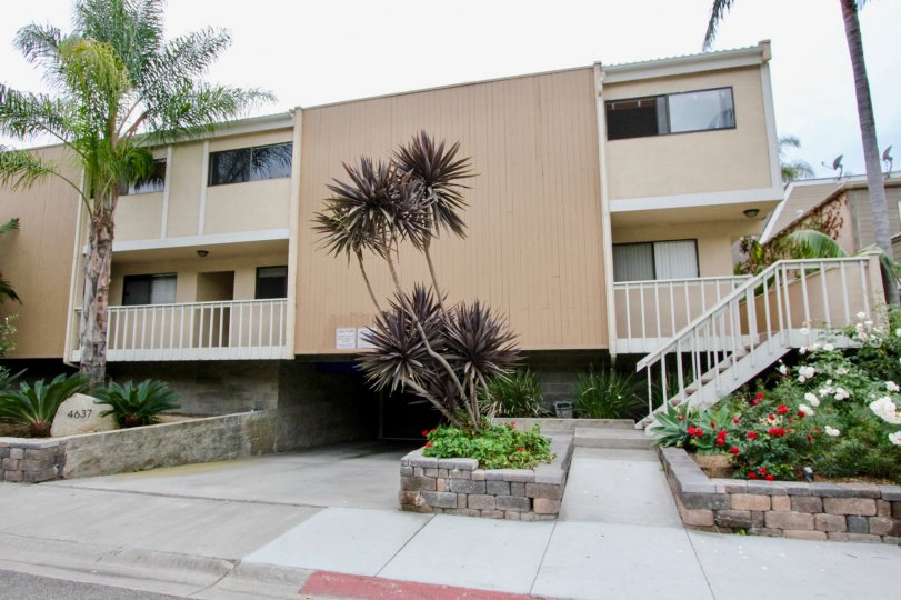 Well designed apartments with it's modern touch of class in Bristol Anchorage, Carlsbad, California